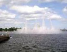 Плавучий фонтан вернется к Стрелке Васильевского острова