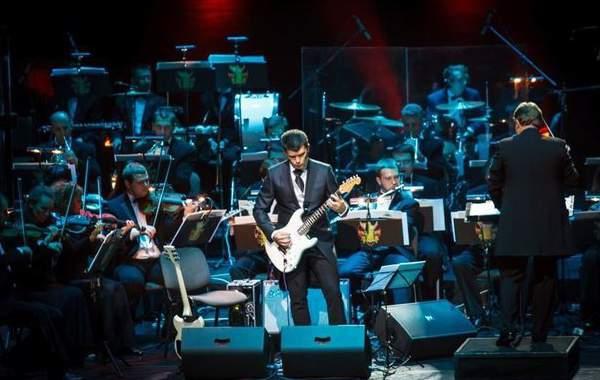 Большой симфонический оркестр исполнит в БКЗ «Октябрьский» песни группы «Кино»